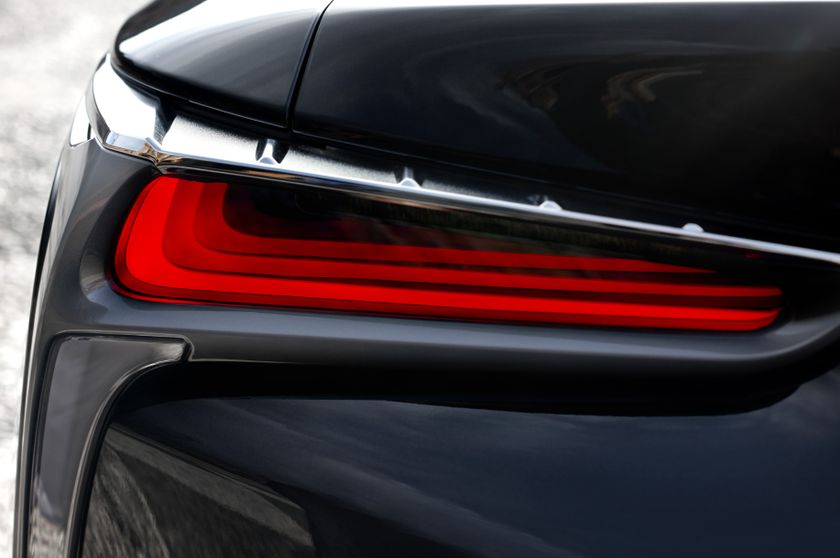 2017_Lexus_LC500h_ExteriorDet_08