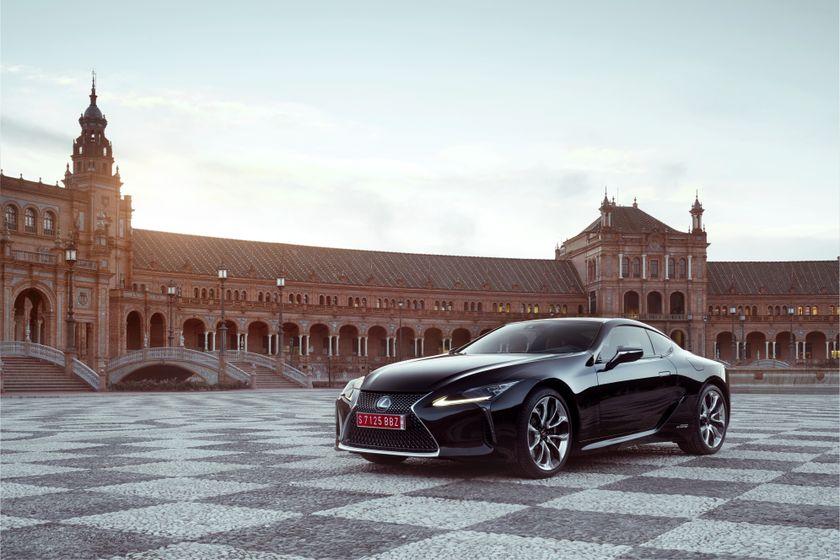 2017_Lexus_LC500h_Static_6