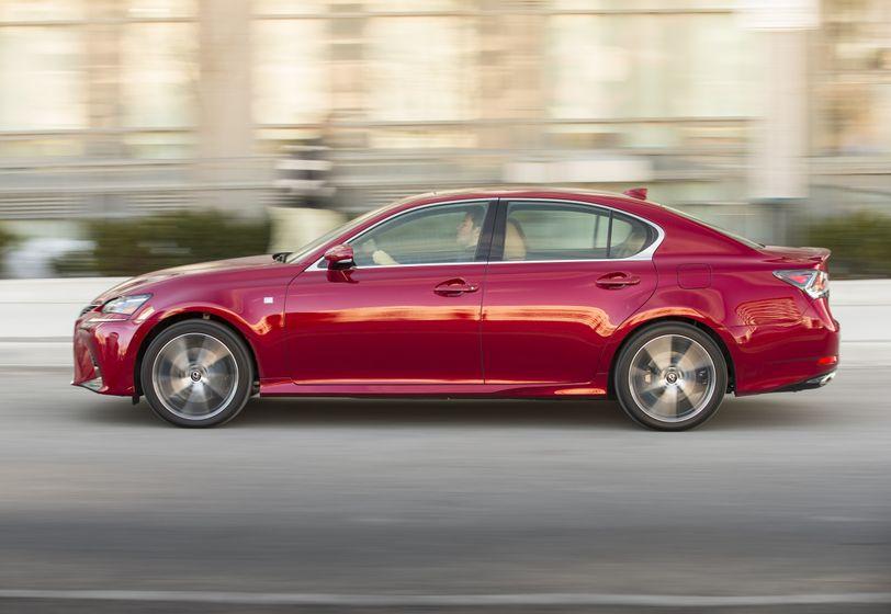 2016_Lexus_GS350-12