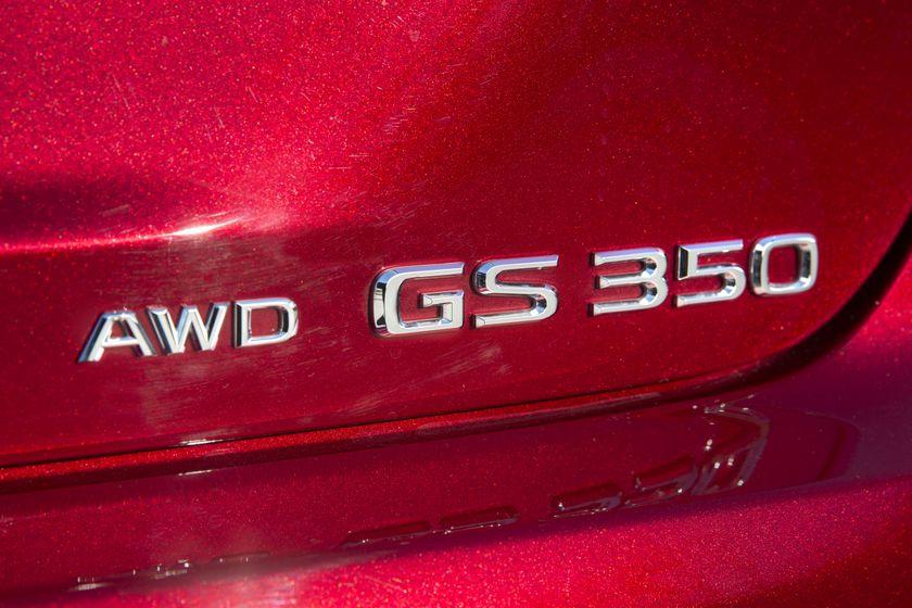 2016_Lexus_GS350-15