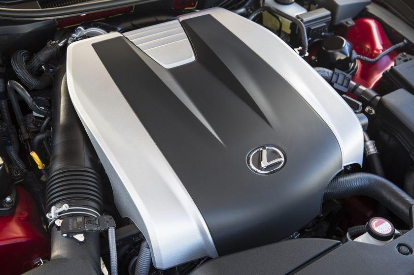 2016_Lexus_GS350-20