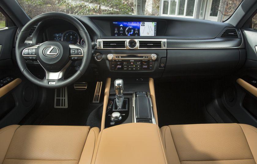 2016_Lexus_GS350-24