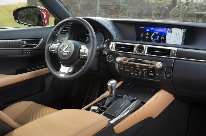 2016_Lexus_GS350-25