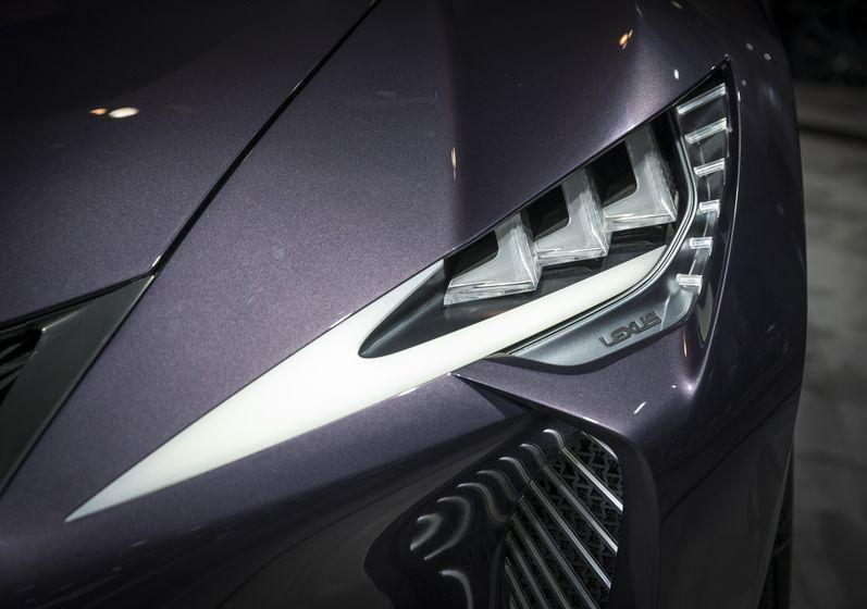 Lexus LF-FC Reveal-3