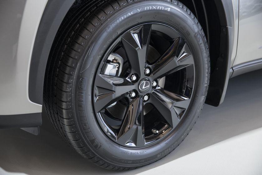 Lexus NX200t-4