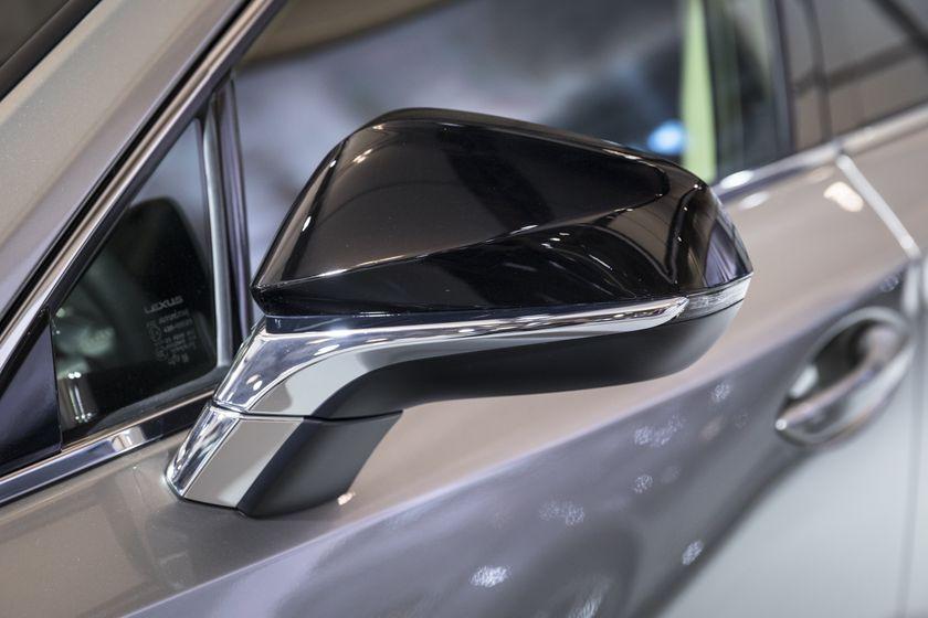 Lexus NX200t-5