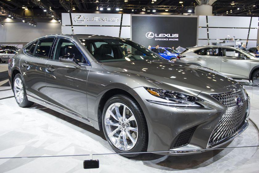 2018 Lexus LS500h Reveal-01