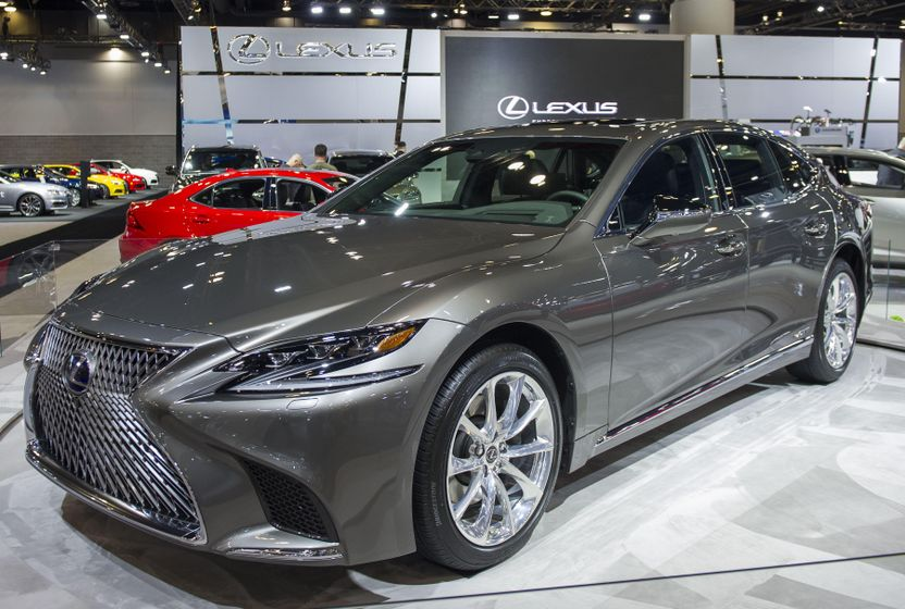 2018 Lexus LS500h Reveal-02