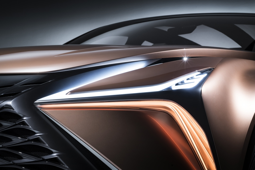 Lexus LF-1 Limitless 40