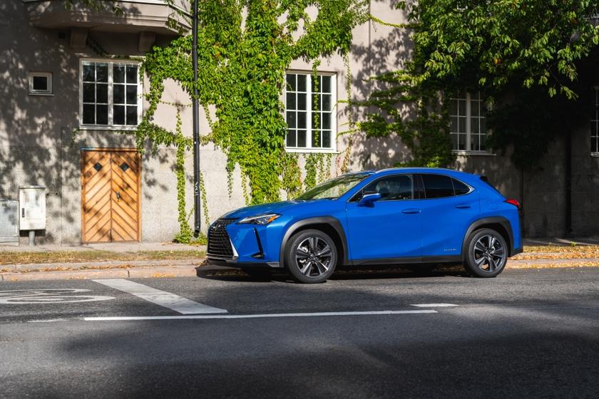 Lexus UX_HV AWD Celestial Blue GF5