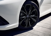 2021_Lexus_ES_Black_Line_SE_008