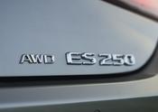 MY21_ES_250_AWD_FSPORT_015
