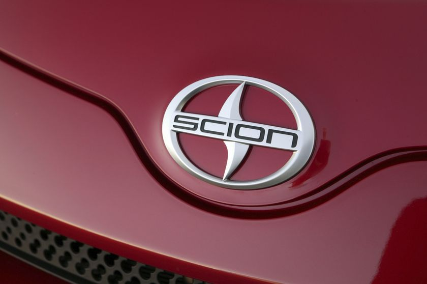 06 2010 scion xD
