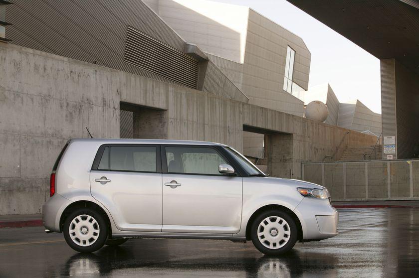 02 2010 scion xB