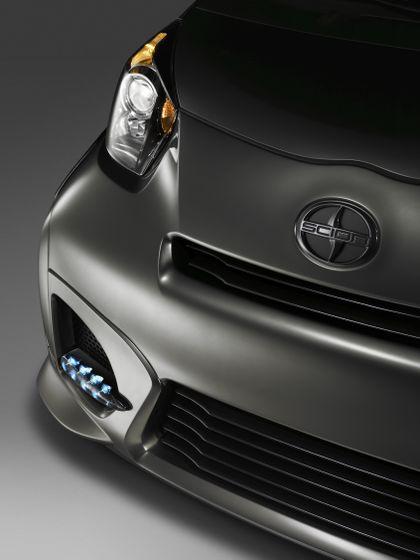 2011 Scion iQ Mod Nose