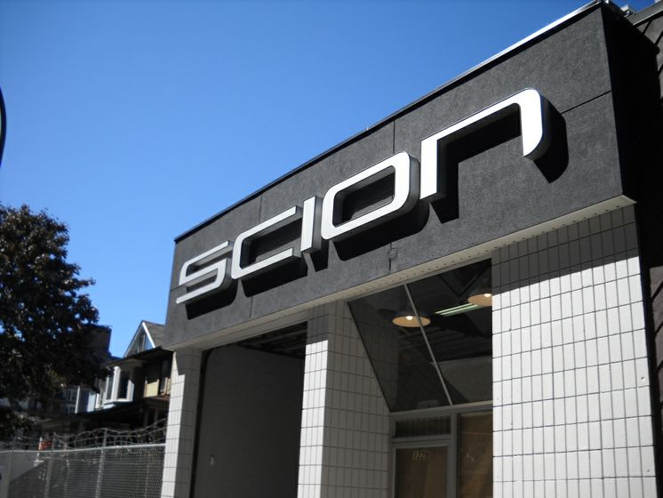 Scion Dealerships Open for Business 9