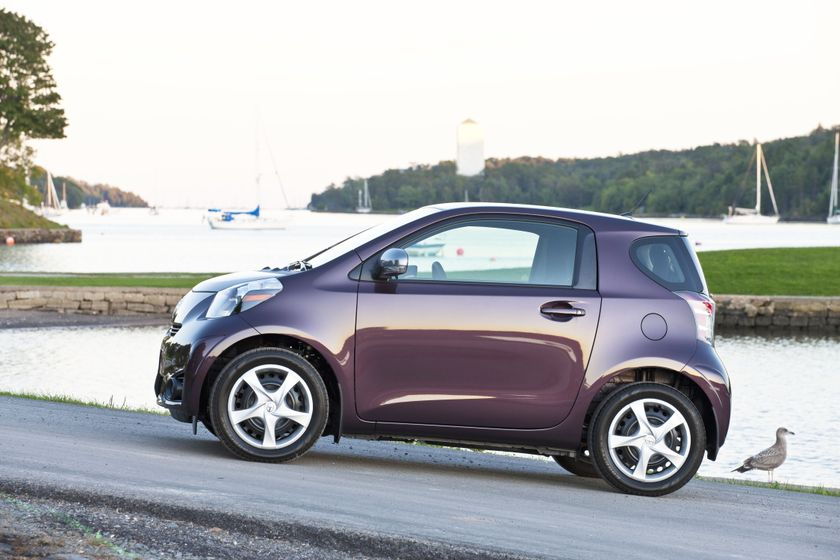 2012 Scion iQ 075