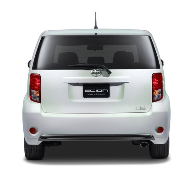 2014 Scion xB RS10 004