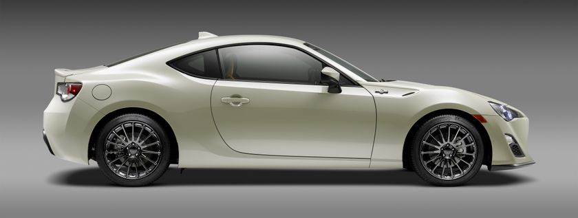 2016_Scion_FR_S_RS2_Profile_PS_005