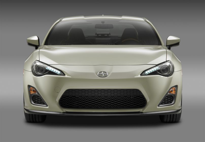 2016_Scion_FRS_RS2_Front_006
