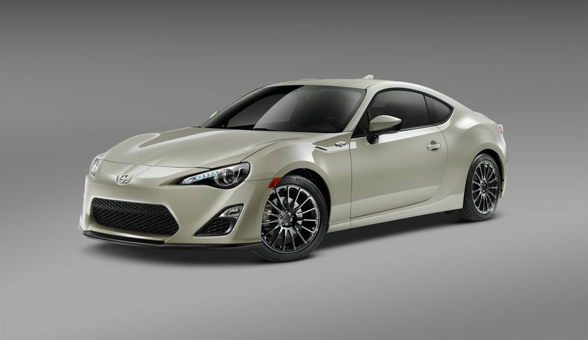 2016_Scion_FRS_RS2_F34_DS_003
