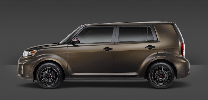 2015_Scion_xB_686_004
