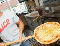How Small-time Pizzerias Are Using Big Data to Fight Back Against 'Big Pizza'