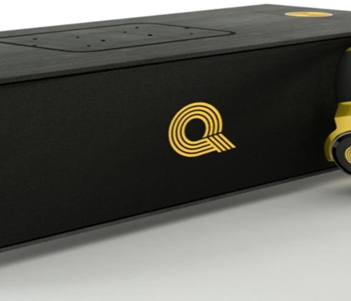 AKG Q200 Speaker