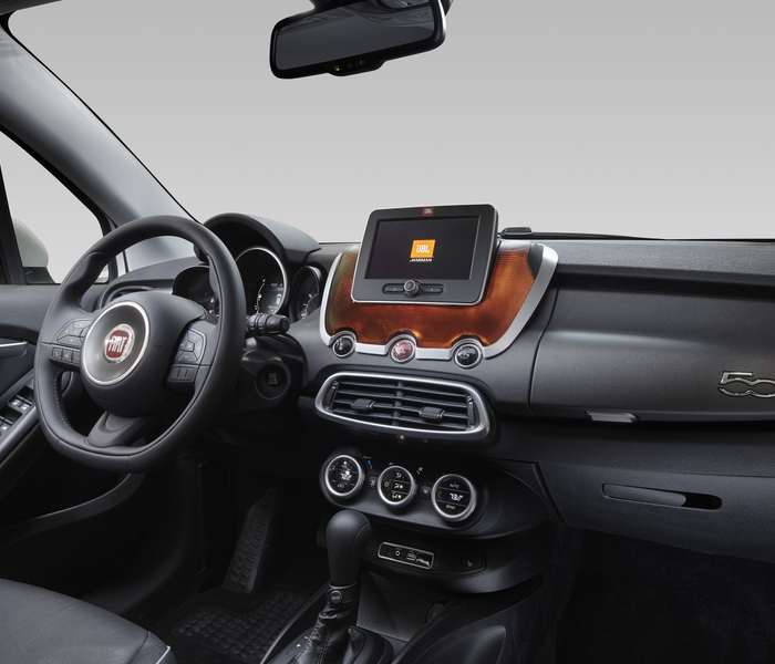 VOYAGER Next_FIAT_DASH_WITH_LIGHTS_C