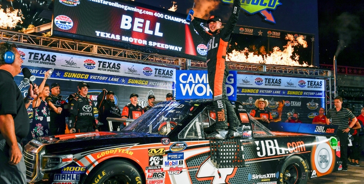 JBL Ambassador Chris Bell Takes the checkered flag and a win in Texas for the No. 4 JBL Tundra