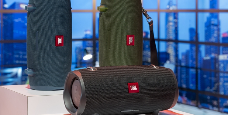 The JBL® Xtreme 2 Makes Waves with its Powerful Audio