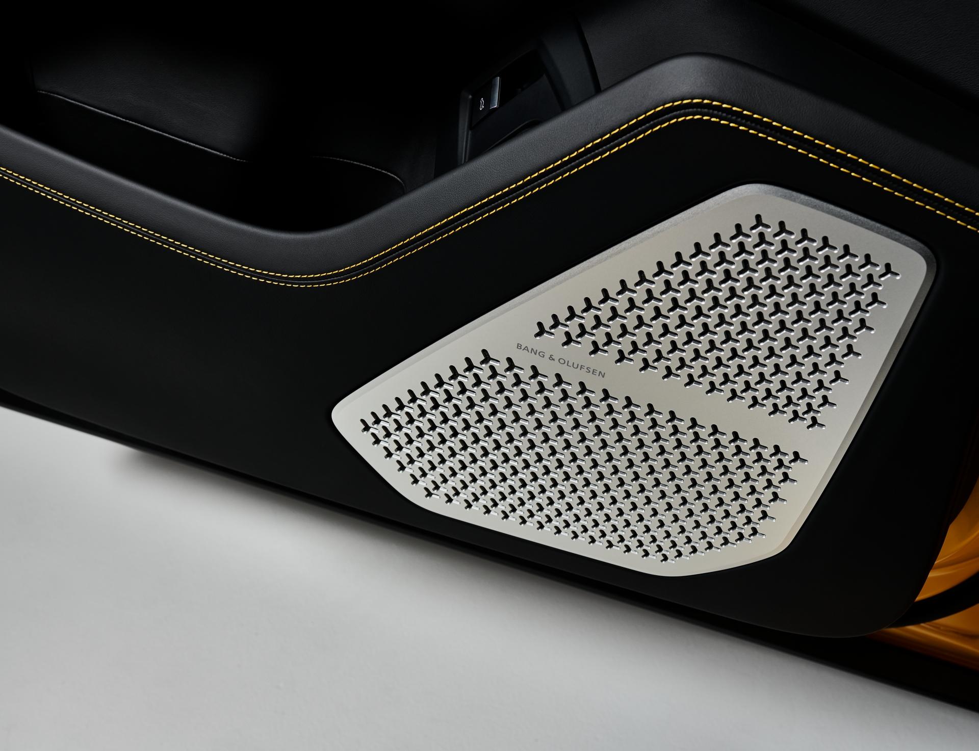 Lamborghini_Urus_Bang_Olufsen_2_201803131825