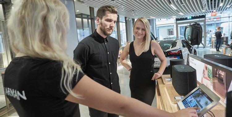HARMAN Experience Store Customer Interaction