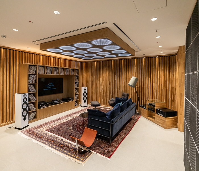 Luxury Studio_Listening Room_v2_201905130604