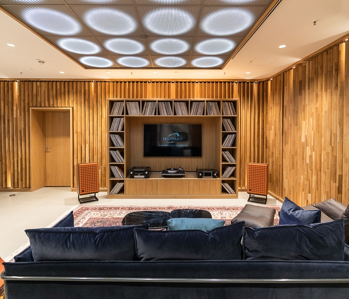 Luxury Studio_Listening Room_v3_201905130604