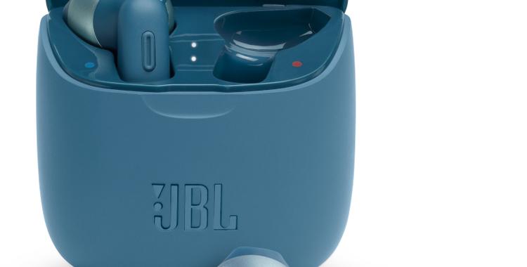 JBL_TUNE 225TWS_Hero_Product Image_Blue
