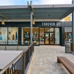 FOREVER 21 OPENS NEW STORE IN ALA MOANA CENTER, HONOLULU