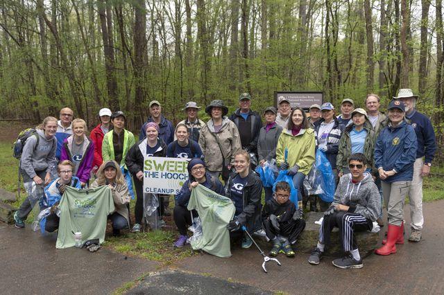 Georgia Aquarium Participates in Sweep the Hooch Clean Up Efforts