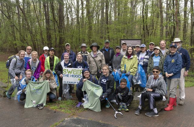 Georgia Aquarium Participates in Sweep the Hooch Clean Up Efforts