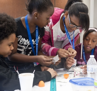 Photo Release -- Newport News Shipbuilding Hosts City-Wide Egg Drop Engineering Competition