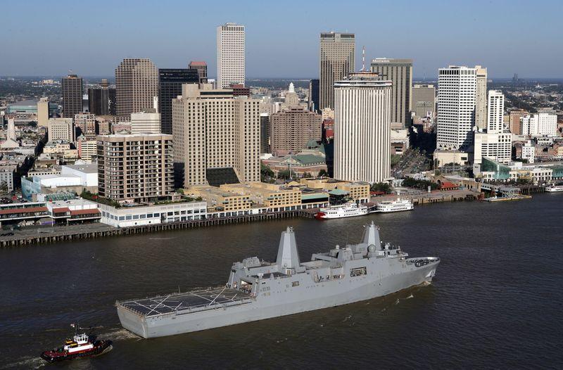 Amphibious transport dock ship New Orleans (LPD 18)