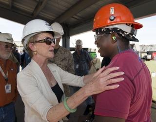 Bonnie Amos visits Ingalls Shipbuilding