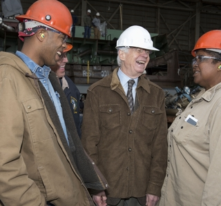 Photo Release -- U.S. Sen. Cochran Visits Ingalls Shipbuilding