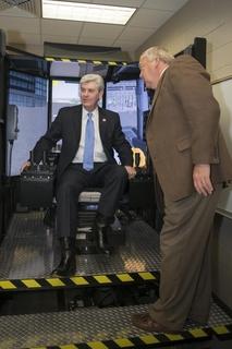 Mississippi Governor Visits Ingalls Shipbuilding