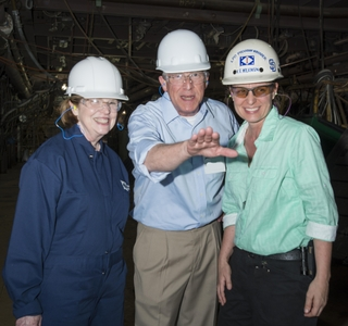 Photo Release--Sen. Roger Wicker Visits Ingalls Shipbuilding