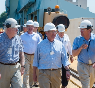 Huntington Ingalls Industries Hosts U.S. Senators Tim Kaine and Roger Wicker at Newport News Shipbuilding