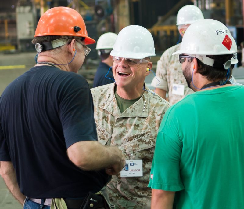 USMC Commandant Visits Ingalls Shipbuilding