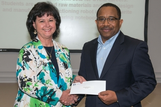 Friends of BEST Receives STEM Grant from Ingalls Shipbuilding