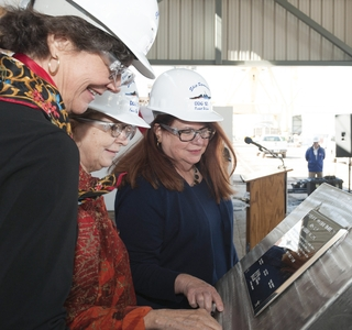 Photo Release-Huntington Ingalls Industries Authenticates Keel of Guided Missile Destroyer Lenah H. Sutcliffe Higbee (DDG 123)