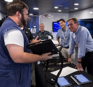 Newport News Shipbuilding Hosts Sen. Mark Warner